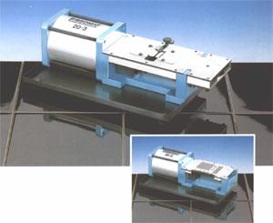 Schneide- und Biegegerät für radiale Bauelemente